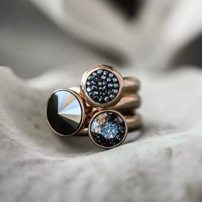 Qudo Combo 138.  Classic colours in rose gold. #qudo #qudocollection #qudointerchangeable #qudorings #qudojewellery #swarovski #swarovskirings #crystalrings #edmondsjewellerscoventry